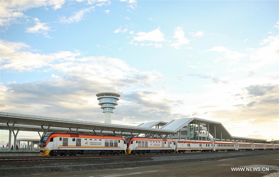 Kenya : chemin de fer Nairobi-Mombasa