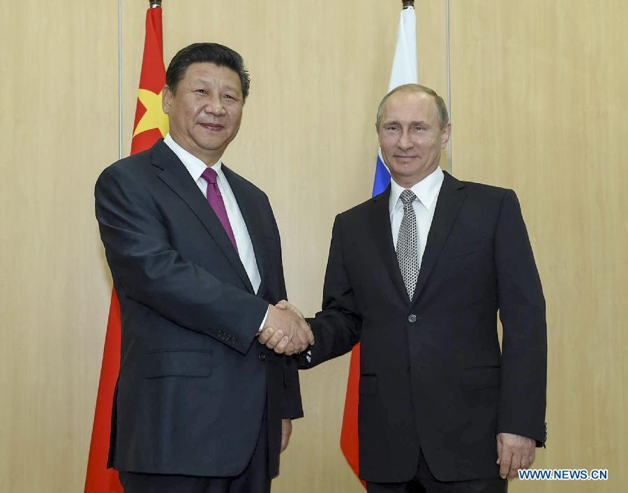 Les prsidents russes et iraniens se rencontrent Bakou
