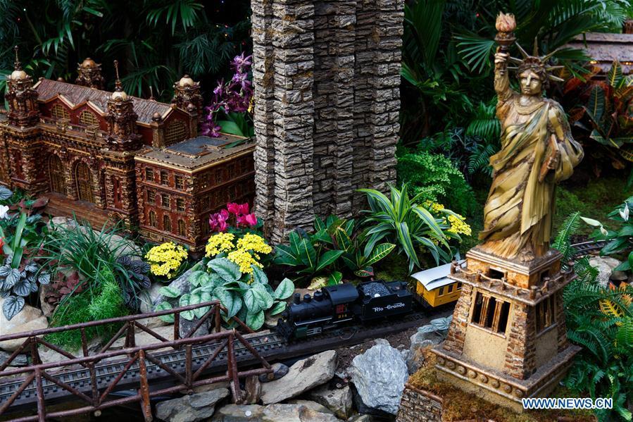 le petit train du jardin botanique de new york en images. Black Bedroom Furniture Sets. Home Design Ideas