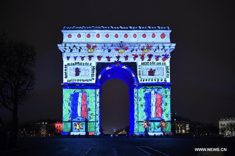 france illuminations de l 39 arc de triomphe pour c l brer le nouvel an. Black Bedroom Furniture Sets. Home Design Ideas