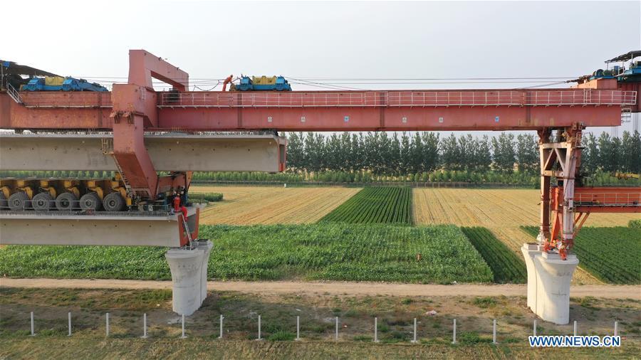 Chine : chantier de construction du chemin de fer interurbain dans le nord