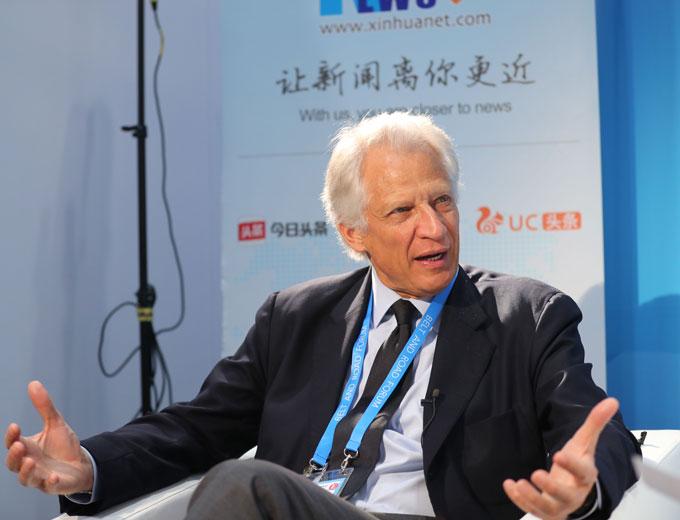 """L'initiative """"la Ceinture et la Route"""" est une volonté d'établir un """"pont vers l'avenir"""", selon Villepin"""