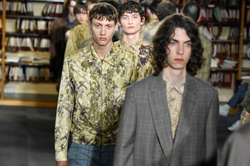 France : semaine de la mode masculine de Paris (Dries Van Noten)