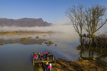 Chine: le lac Dajiu dans le district forestier de Shennongjia
