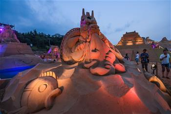 Chine : inauguration du festival international de sculptures sur sable de Zhoushan