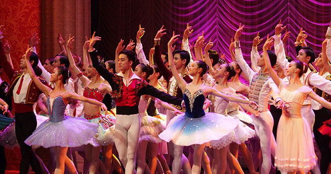 Pas de Grand Prix au 6e Concours international de ballet de Shanghai