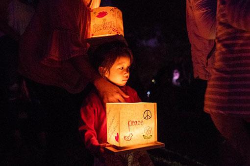 États-Unis: festival de lanternes sur l'eau à Los Angeles