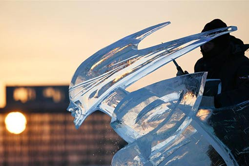 Chine : concours international de sculpture sur glace à Harbin
