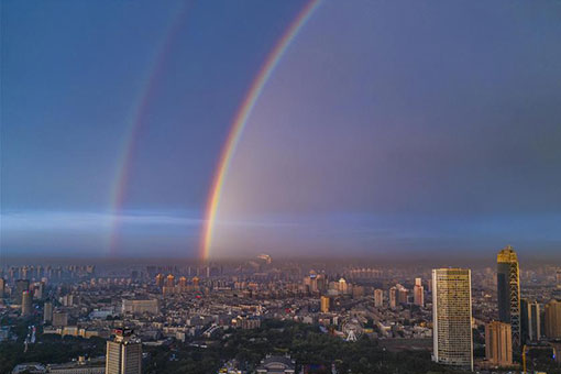 Chine: un double arc-en-ciel à Changchun